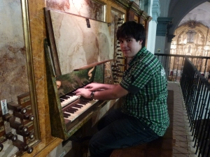 Víctor Manuel Baena, organista
