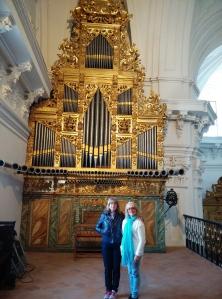 Marce y Mariana, órgano y soprano