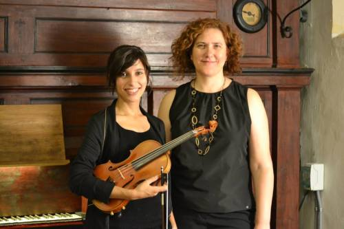 Cristina Sánchez, vilolinista, y Mª Jesús García, organista